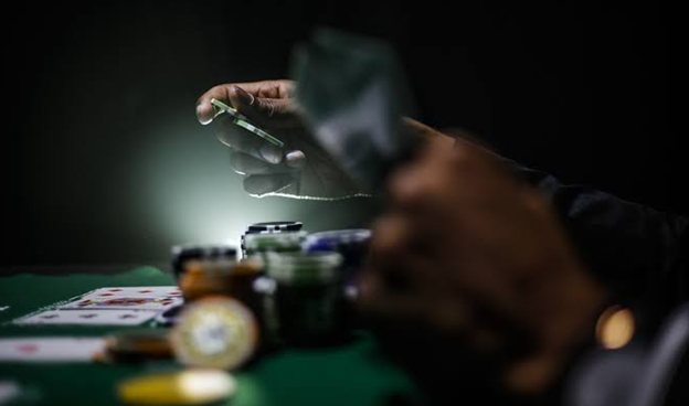 Difference between a Professional Poker and an Amateur?